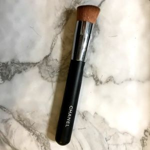 BN Chanel 2-1 Foundation Brush